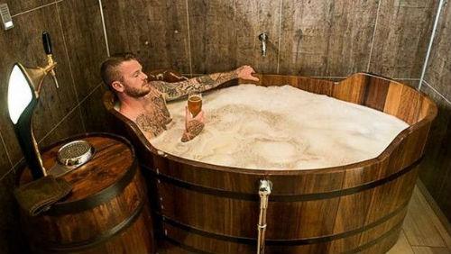 Beer-Pedia.com - Ο Αρχηγός Της Εθνικής Ισλανδίας Επενδύει Σε Σπα Μπύρας